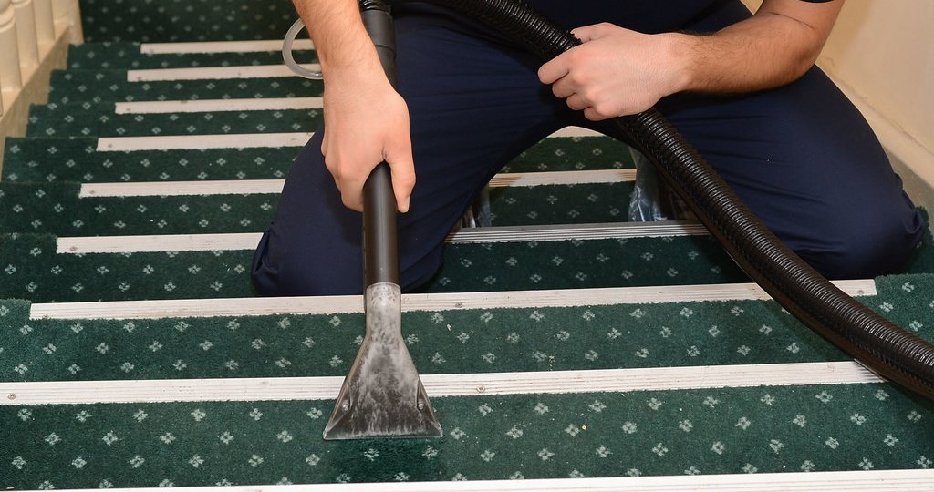 stair-carpet-cleaning-professional